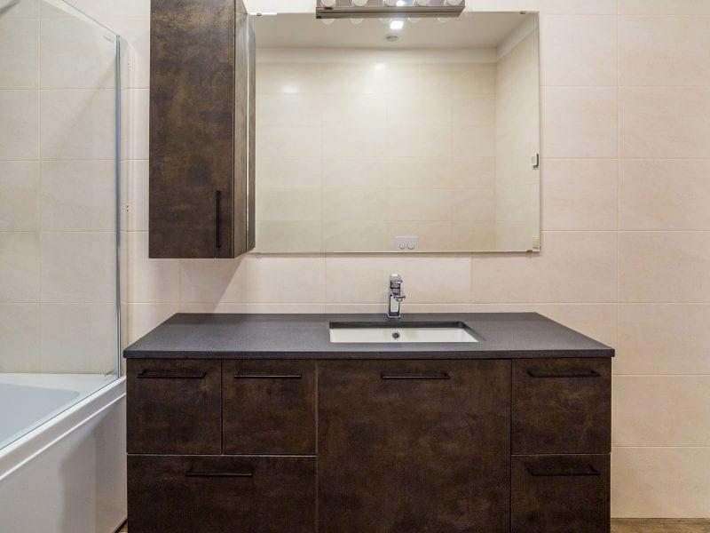 betoninis vonios stalviršis