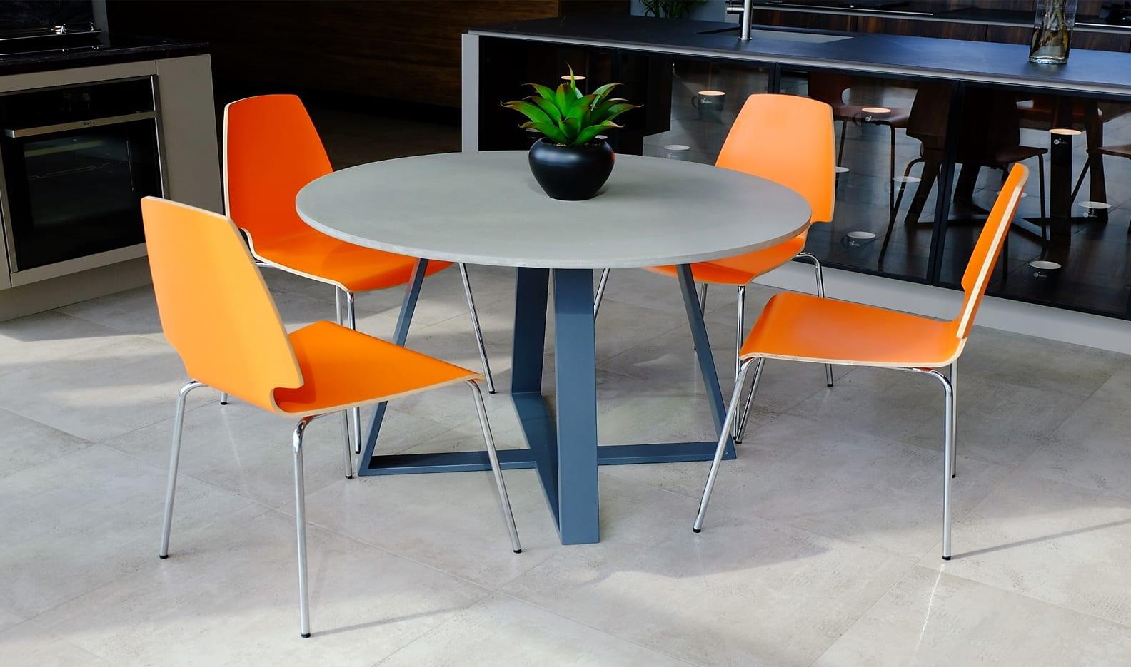 valgomojo stalas iš betono