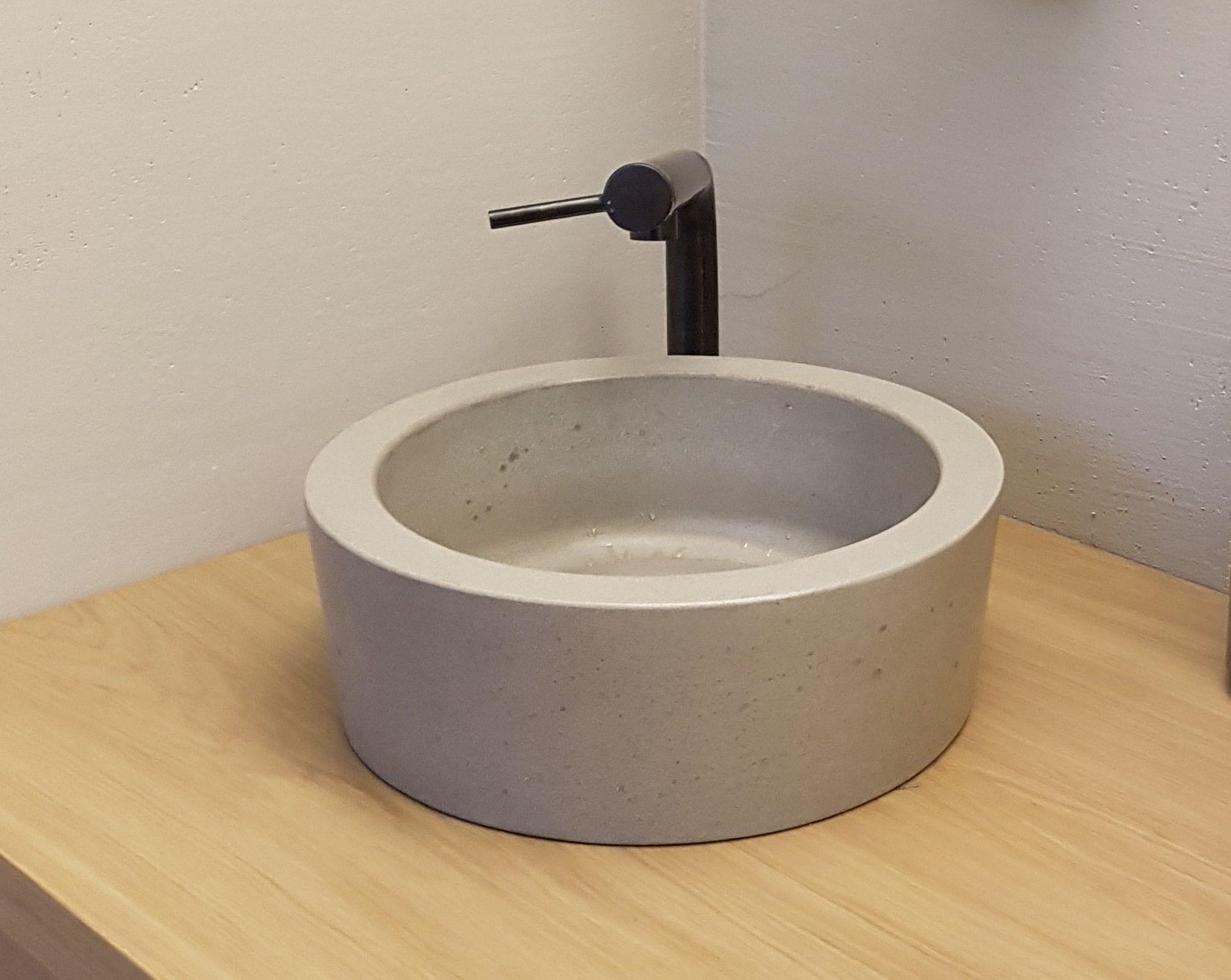 Apvali betoninė plautuvė