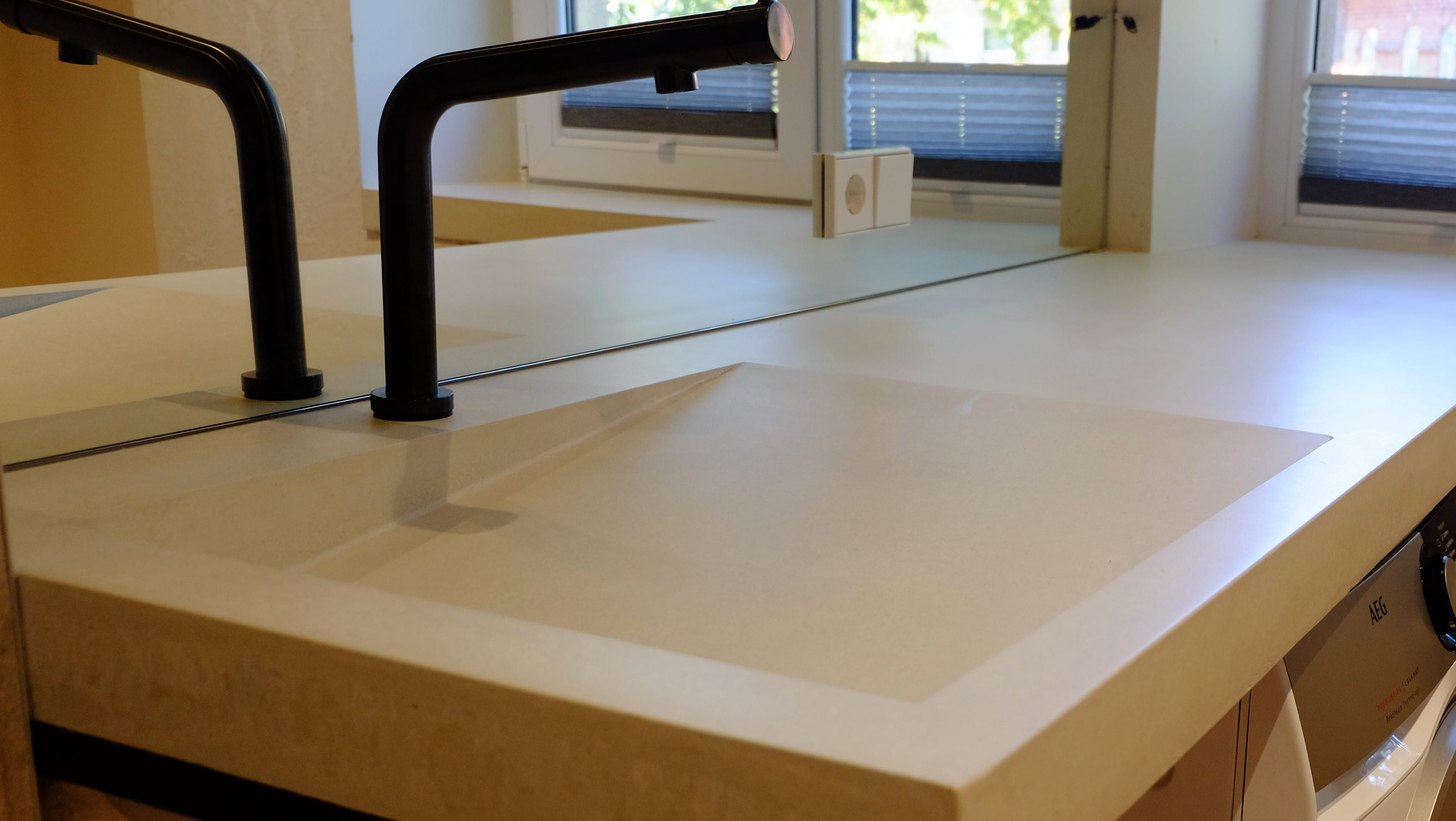 Balto betono stalviršis